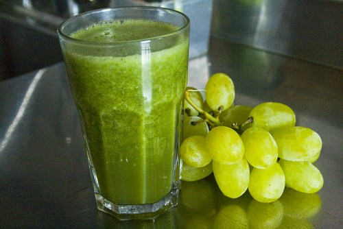 GREEN SMOOTHIE CON UVA E FICHI D'INDIA